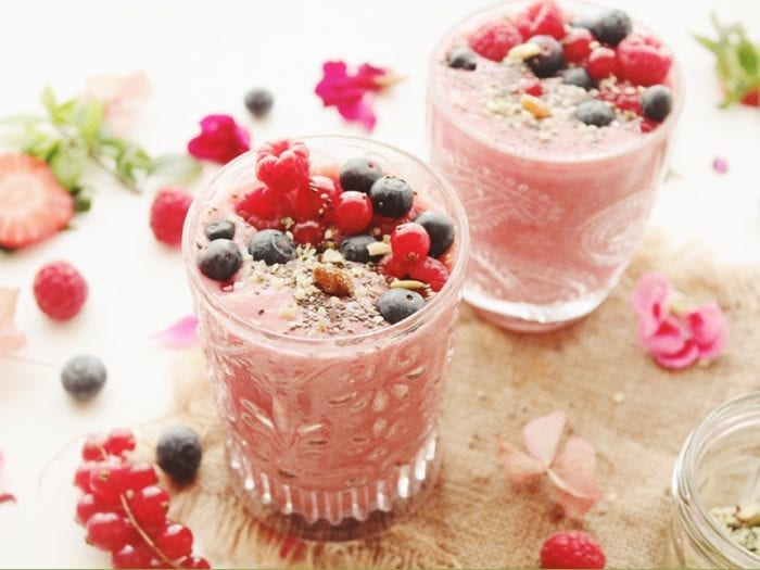Cashew Strawberry Cream Smoothie